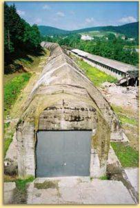 Zdjecie przedstawiające schron kolejowy w Stępinie